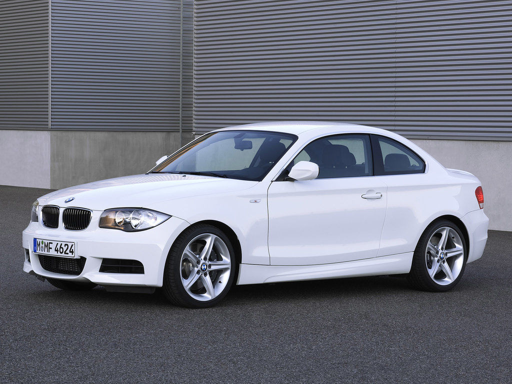 Фото BMW 1 Series Coupe