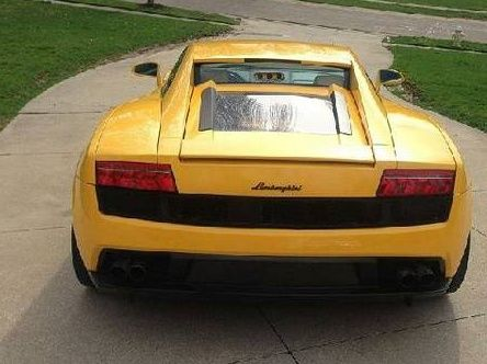 Lamborghini LP 700-4 Aventador