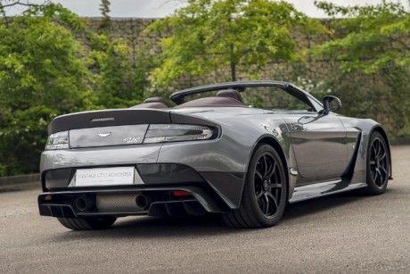 Aston Martin представила Vantage Roadster GT12